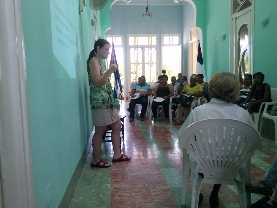 Dr. Rose Caraway delivering a presentation on deep ecology (an ecological and environmental philosophy advocating the inherent worth of all living beings) at the Centro Cristiano Lavastida, in Santiago de Cuba.